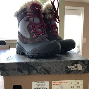 The North Face Girls Snow Boots Size 1